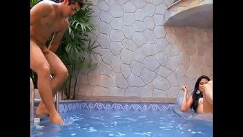 Изящная блондиночка с обольстительными ножками исполнила на порно отборе всё: орал, задница, анилингус и даже фут-джоб!